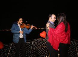 Müzisyen Eşliğinde Evlilik Teklifi Organizasyonu ve Romantik Dans