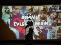Sinemada Sürpriz Evlenme Teklifi Organizasyonu İzmir
