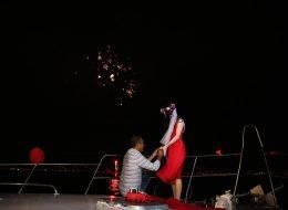 Teknede Evlilik Teklifi Organizasyonu ve Kadınların Kıyafet Seçimi