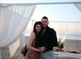 Plajda Romantik Evlilik Teklifi Organizasyonu ve Kıyafet Seçimi