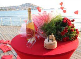 Kırmızı Gül Demeti Aydın Evlenme Teklifi Organizasyonu