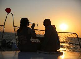 Gün Batımında Teknede Evlilik Teklifi Organizasyonu Bodrum