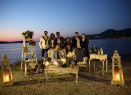 Arkadaşlarla Kumsalda Evlilik Teklifi Organizasyonu
