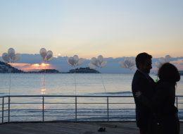 İskelede Uçan Balonlar ile Evlilik Teklifi Organizasyonu Kuşadası