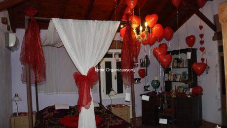Evde Evlilik Teklifi Organizasyonu Fikirleri ve Dekorasyon Önerileri