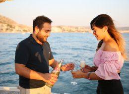 Çeşme Marina Çıkışlı Teknede Evlilik Teklifi Organizasyonu Simge & Birkan