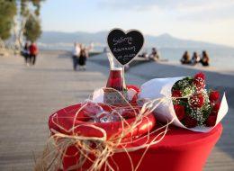 Ahşap Not Tabelası Eşliğinde Evlilik Teklifi Organizasyonu İzmir