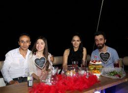 Arkadaşlar ile Eş Adayına Sürpriz Evlilik Teklifi Organizasyonu İzmir