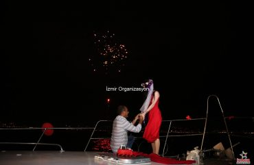 Evlilik Teklifi Fikirleri ve Teknede Evlilik Teklifi Organizasyonu İzmir