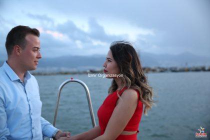 Kıbrıs'ta kurgulanan teknede evlilik teklifi organizasyonu İzmir