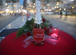 Evlilik Teklifi Organizasyonu Şampanya ve Kırmızı Gül Buketi İzmir