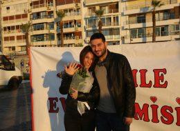 Benimle Evlenir Misin Yazılı Dev Pankart Eşliğinde Evlilik Teklifi Organizasyonu İzmir