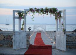 Yürüyüş Yolu Süsleme Çeşme Evlilik Teklifi Organizasyonu