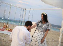 Çeşme Kumsalda Sürpriz Evlilik Teklifi Organizasyonu