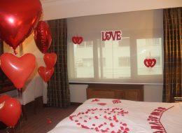 Dekoratif Objeler ile Otel Odası Süsleme Evlilik Teklifi Organizasyonu İzmir