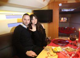 Benimle Evlenir Misin Sorusuna Gelen Evet Cevabını Kutlama Anı İzmir
