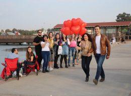 İnciraltında Uçan Balonlar Eşliğinde Sürpriz Evlilik Teklifi Organizasyonu