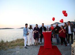Akrabalar ve Arkadaşlar ile Evlilik Teklifi Organizasyonu