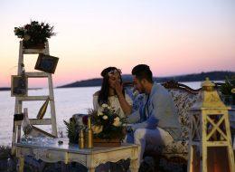 İzmir Evlilik Teklifi Organizasyonu Fotoğraf Köşesi ve Masa Süsleme
