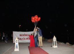 Evlilik Teklifi Organizasyonu ve Uçan Balonların Gökyüzüne Bırakıldığı An