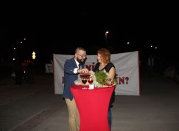 Kırmızı Halıda Evlenme Teklifi Organizasyonu Sürpriz Evlilik Teklifi Organizasyonu
