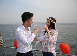 Evlilik Teklifi Organizasyonu ve Şampanya ile Kutlama
