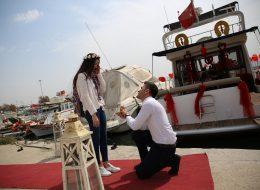 İzmir'de Teknede Evlilik Teklifi Organizasyonu Cansu & Samet