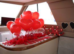 Uçan Balon ve Kırmızı Dekor ile Evlenme Teklifi Organizasyonu