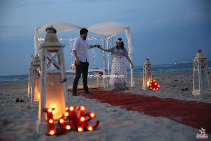 Ege Plajında Evlenme Teklifi Organizasyonu Çeşme