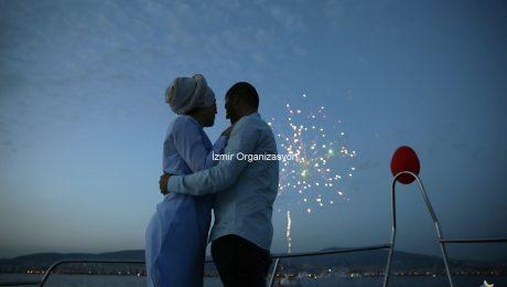 Havai Fişek Eşliğinde Sürpriz Evlenme Teklifi Organizasyonu