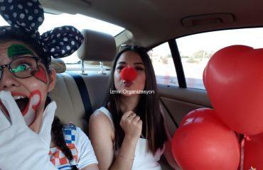 Palyaço Servisi ve VIP Araç İle Kumsalda Evlilik Teklifi Organizasyonu