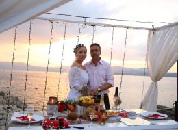 Gün Batımında iskelede evlenme teklifi organizasyonu
