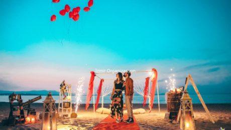 Kumsalda Minder Dekor İle Evlilik Teklifi Organizasyonu