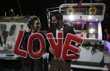 Havai Fişek Eşliğinde yatta Evlenme teklifi Organizasyonu