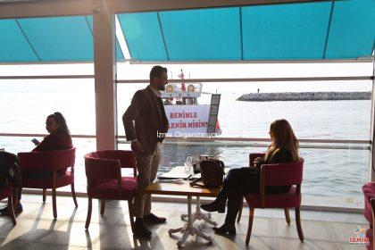 Kafe Başlangıçlı Teknede Evlilik Teklifi Organizasyonu