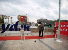 Dev Pankartla Aydın Evlenme Teklifi Organizasyonu
