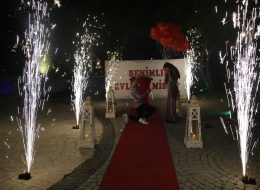 Çeşme Evlilik Teklifi Organizasyonu Volkan Gösterisi İzmir Organizasyon