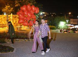Alaçatı Evlenme Teklifi Organizasyonu Uçan Balonlar İzmir Organizasyon