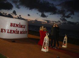 Gün Batımı İskelesinde Sürpriz Evlilik Teklifi Organizasyonu İzmir