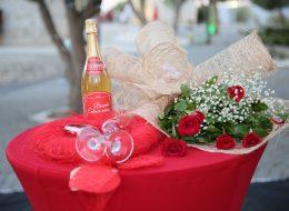 Çeşme Alaçatıda Evlenme Teklifi Organizasyonu Bistro Masa Süsleme İzmir Organizasyon