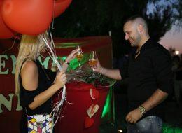 Yel Değirmenlerinde Romantik Evlilik Teklifi Organizasyonu İzmir Organizasyon