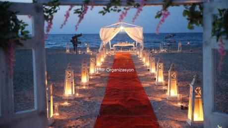Çeşme Plajda Romantik Evlenme Teklifi Organizasyonu İzmir Organizasyon