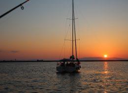 İzmir Gün Batımında Teknede Doğum Günü Organizasyonu İzmir Organizasyon