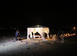 Plajda Sürpriz Evlenme Teklifi Organizasyonu Gazebo Süsleme İzmir Organizasyon