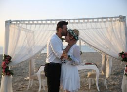 Çeşme'de Havai Fişekli Sürpriz Evlenme Teklifi Organizasyonu