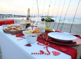 Kumsal Evlenme Teklifi Organizasyonu Masa Süsleme İzmir Organizasyon