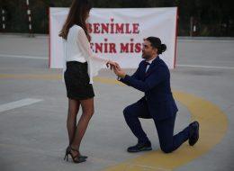 Sürpriz Evlenme Teklifi Organizasyonu Evlilik Teklifi Anı İzmir Organizasyon