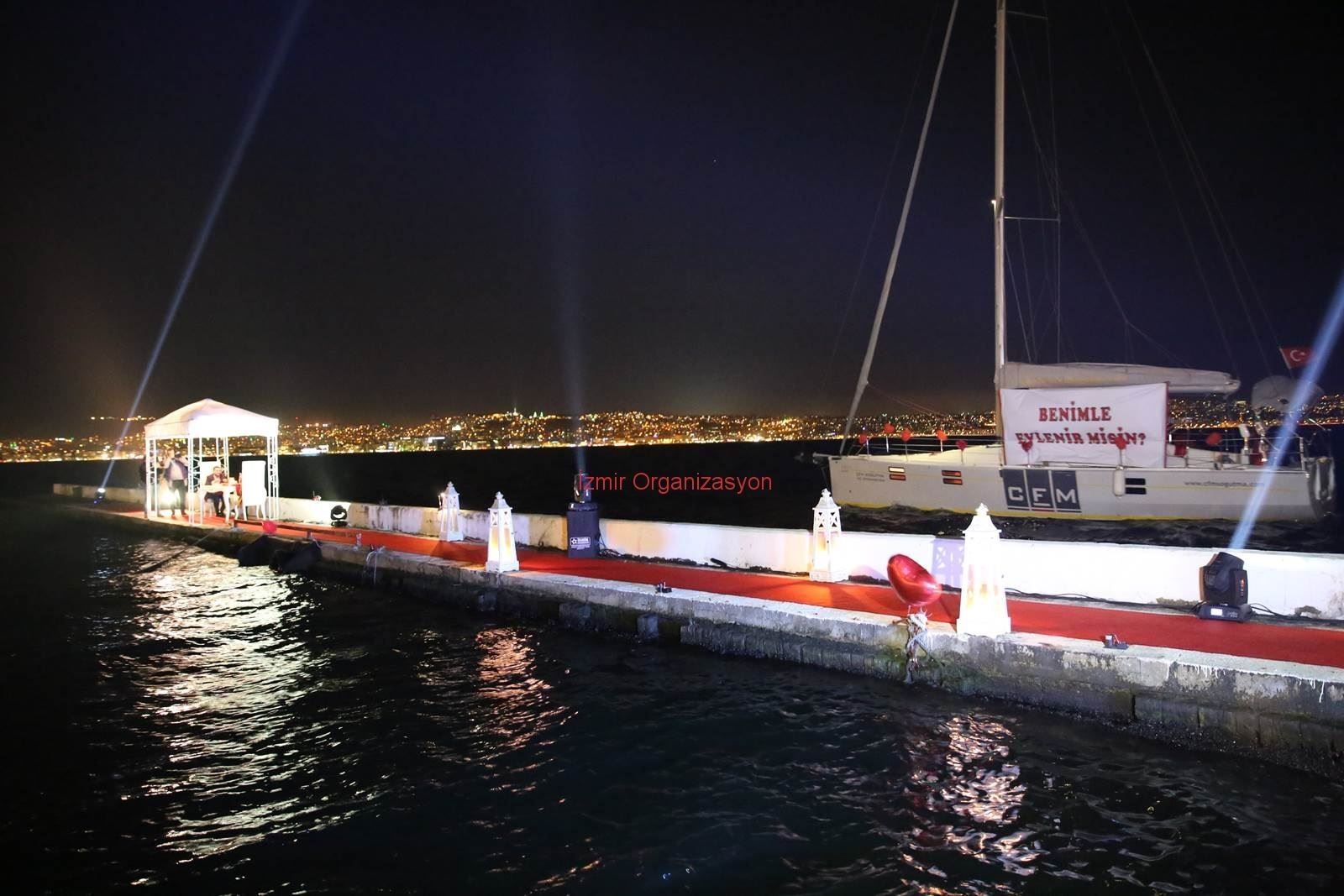 Karşıyaka Yelken Kulübü'nde Evlilik Teklifi Organizasyonu