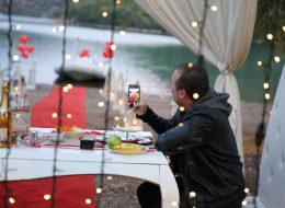 Evlenme Teklifi Organizasyonu Işık Şelalesi ve Led Işık Süsleme İzmir Organizasyon