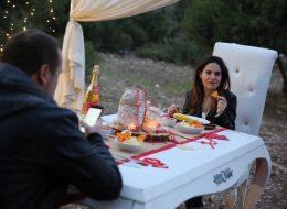 Bodrum Kumsalda Evlilik Teklifi Organizasyonu Masa Süsleme İzmir Organizasyon
